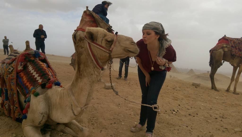 riding camels in cairo